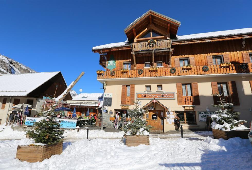Hotel les Mélèzes valloire, hotel valloire, hôtel valloire, hotel 2 étoiles valloire