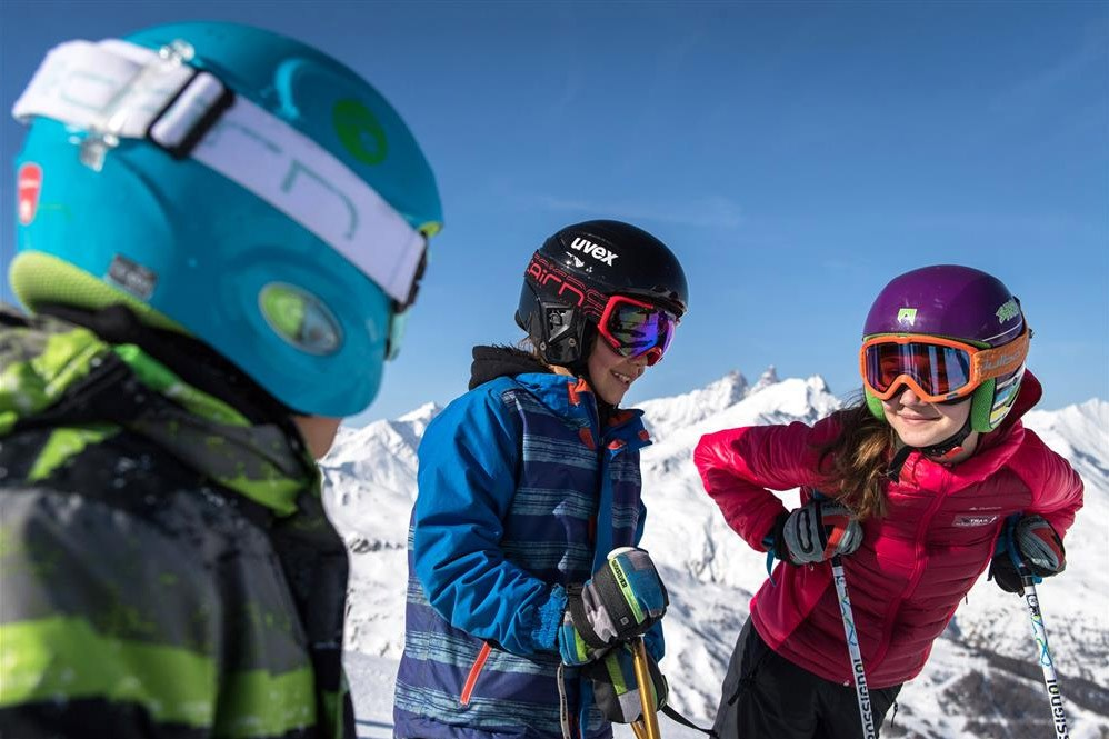 Kids ski for free in April ! Package Valloire Réservations