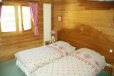 chambre-poingt-ravier-fenetre-6643033