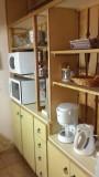 vue-de-la-cuisine-avec-four-et-four-a-micro-ondes-jpgko-6692183